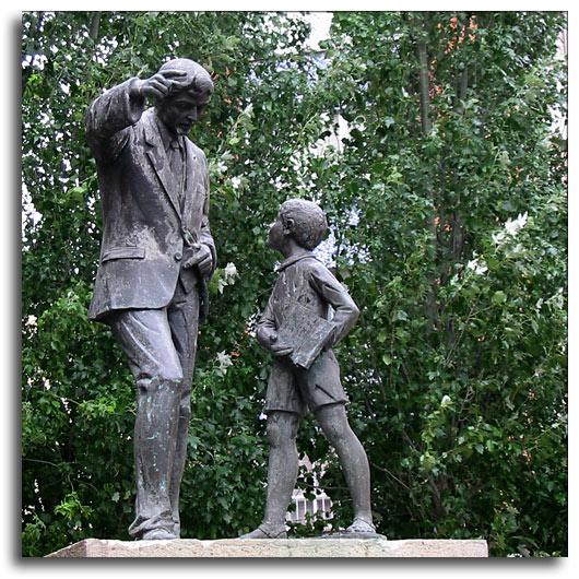 monumento al maestro, Foto de Darco TT